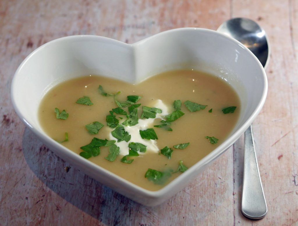 Parsnip soup with apple and horseradish