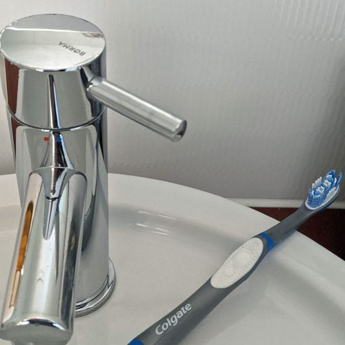 Colgate Toothbrush with Sink