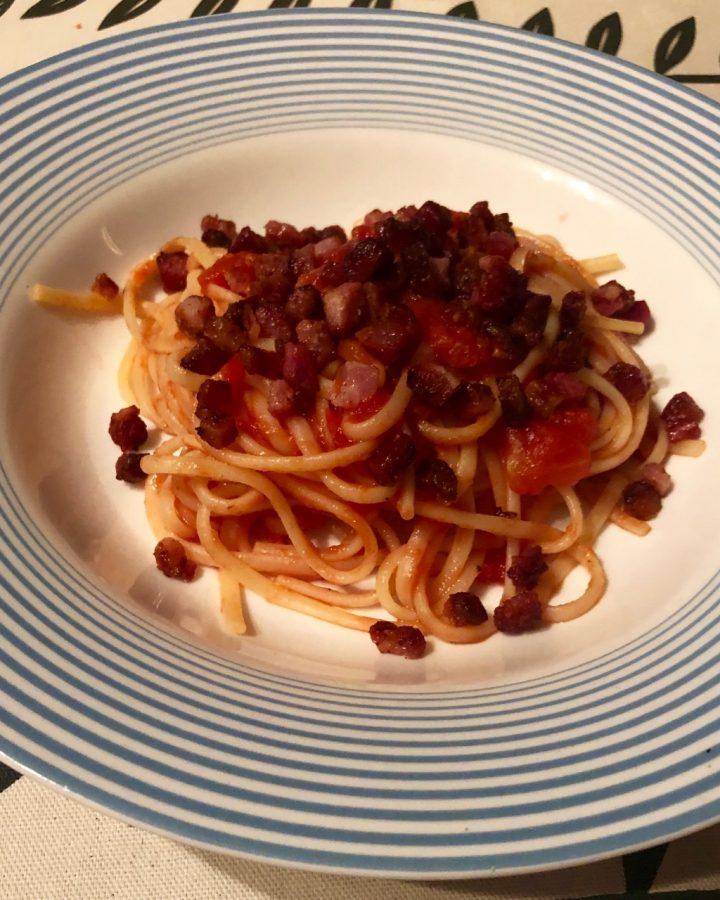 Tomato and chilli pasta sauce