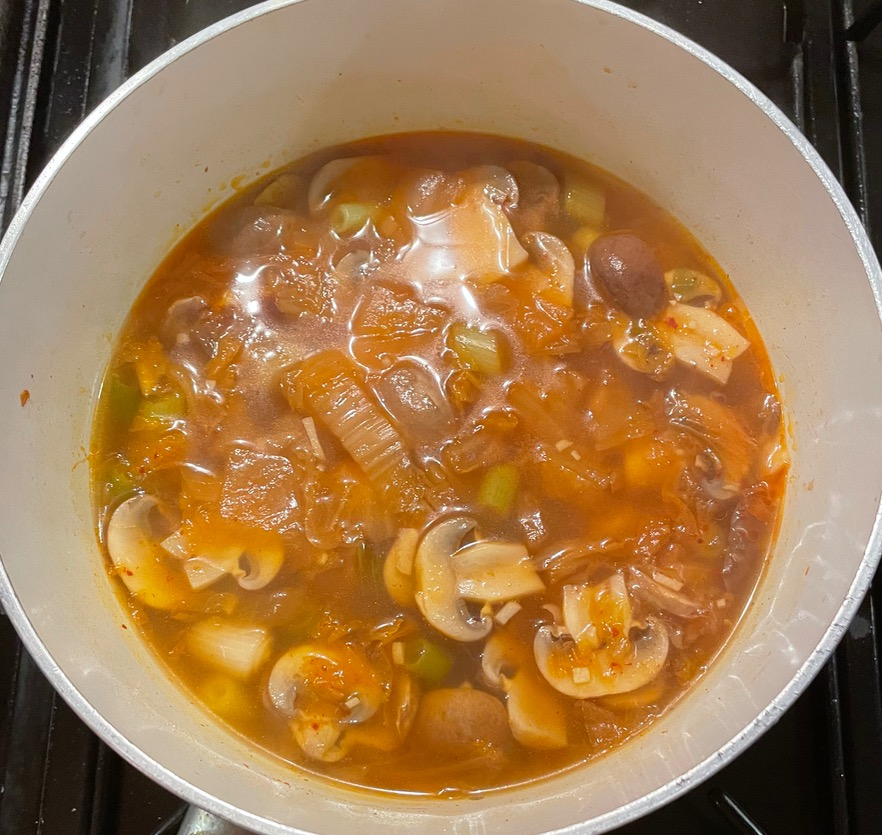 kimchi-soup-cooking