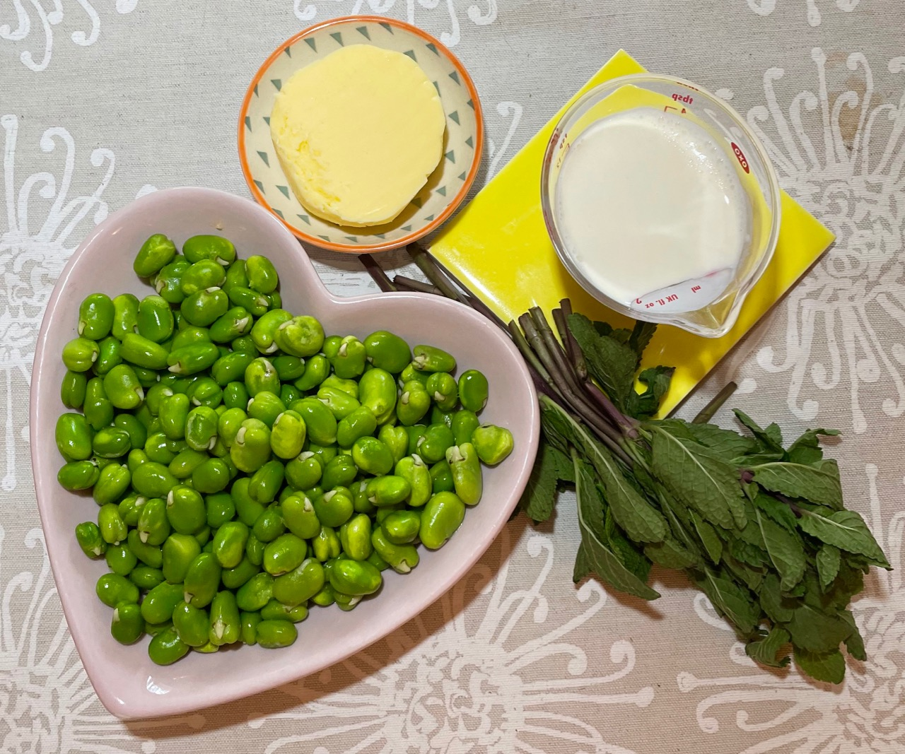 broad-bean-dip-ingredients