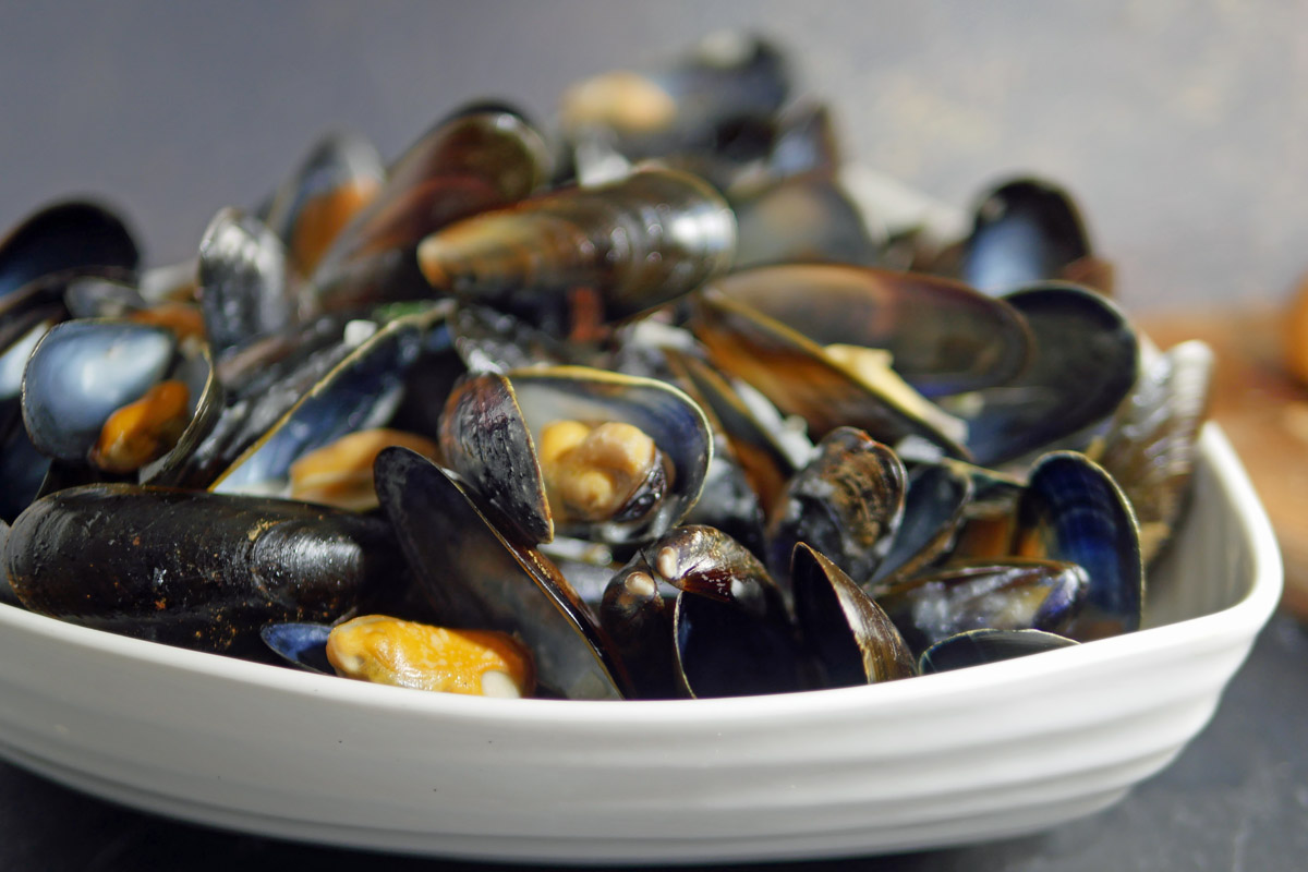 Mussels in Cider and Cream