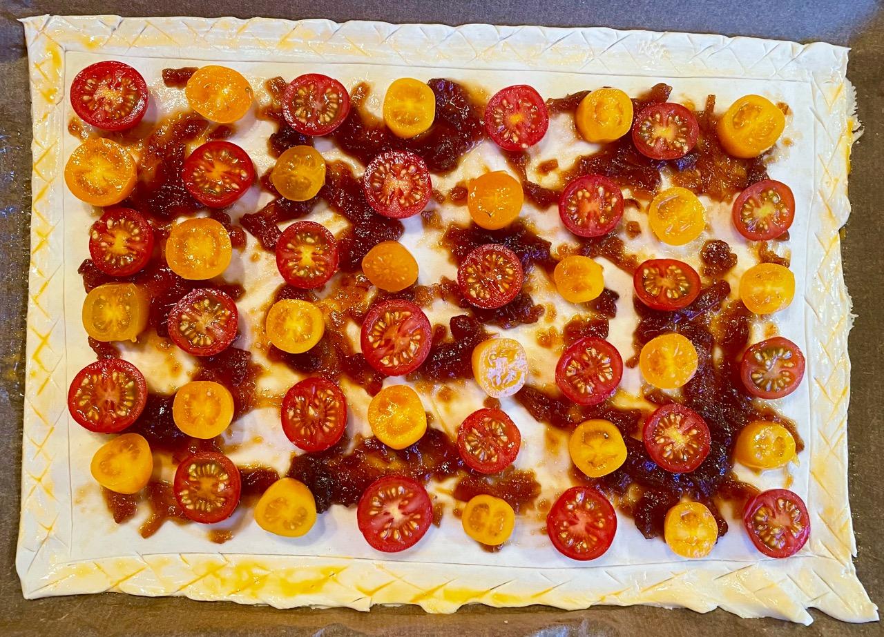tomato-tart-puff-pastry