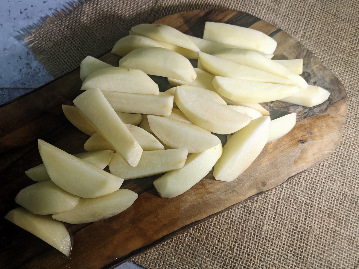 Sliced potatoes for Chips